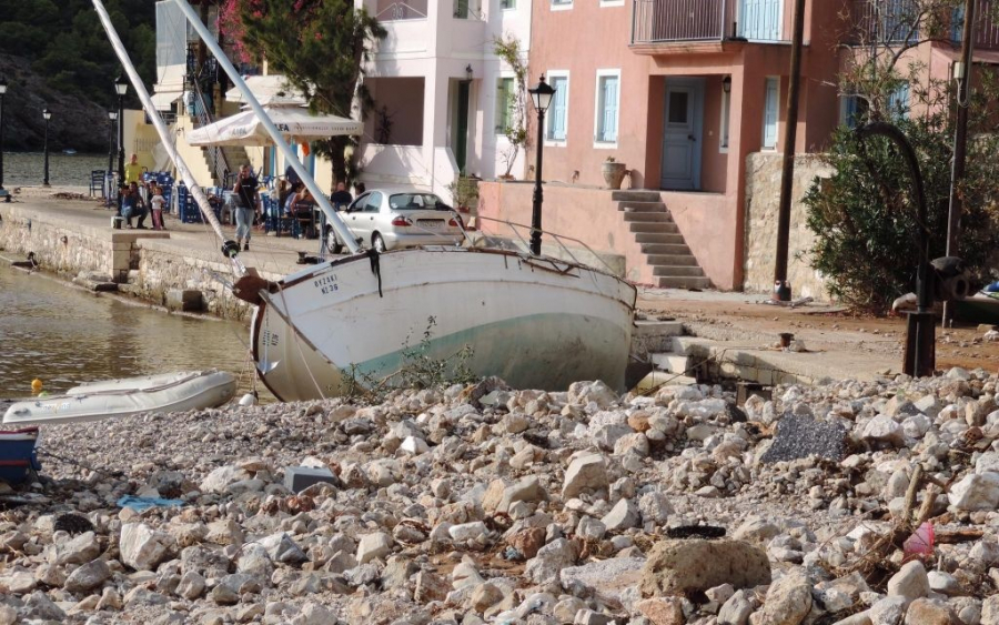 """Δήμαρχος Σάμης: """"Έχουν καταστραφεί τα πάντα – Φοβάμαι για τον χειμώνα που έρχεται"""" - InKefalonia"""