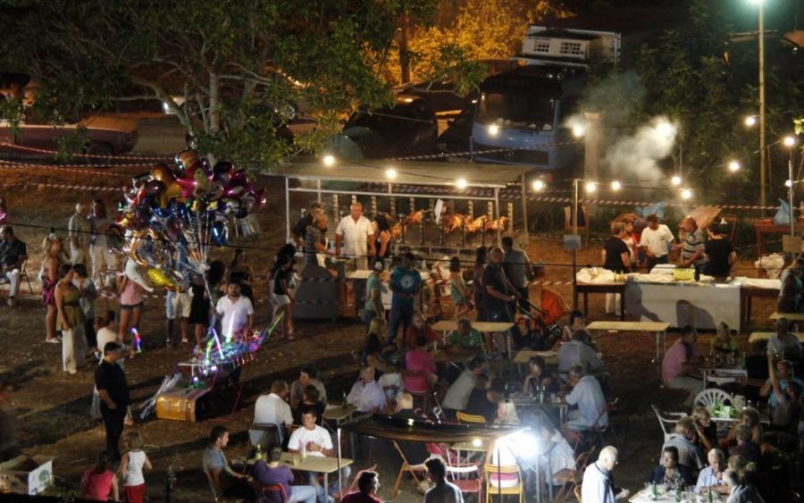 Στον «αέρα» τα πανηγύρια: «Δεν γίνονται μόνο με καθήμενους» λένε οι δήμοι