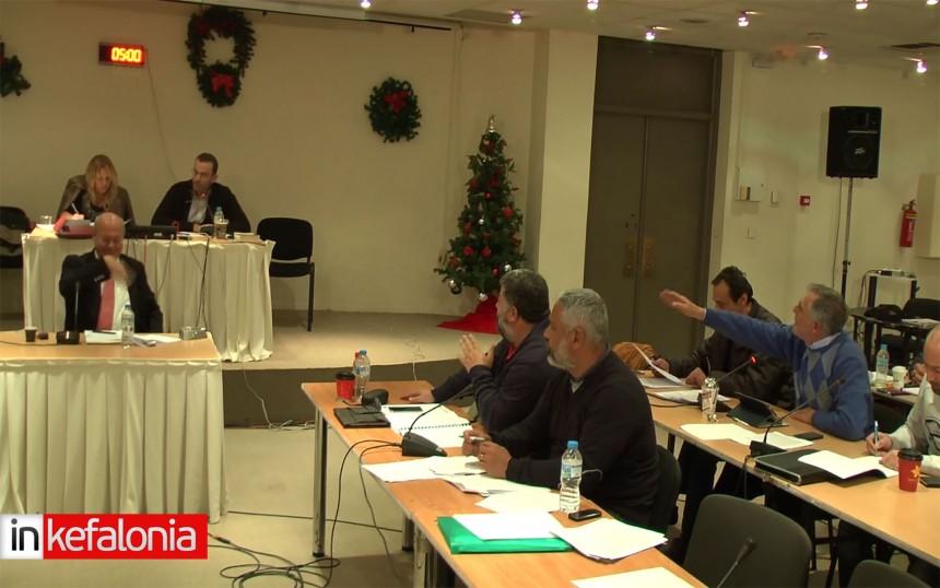 Άγρια κόντρα Παπαναστασάτου – Ρουχωτά στο Δημοτικό συμβούλιο με προσωπικούς χαρακτηρισμούς (VIDEO)