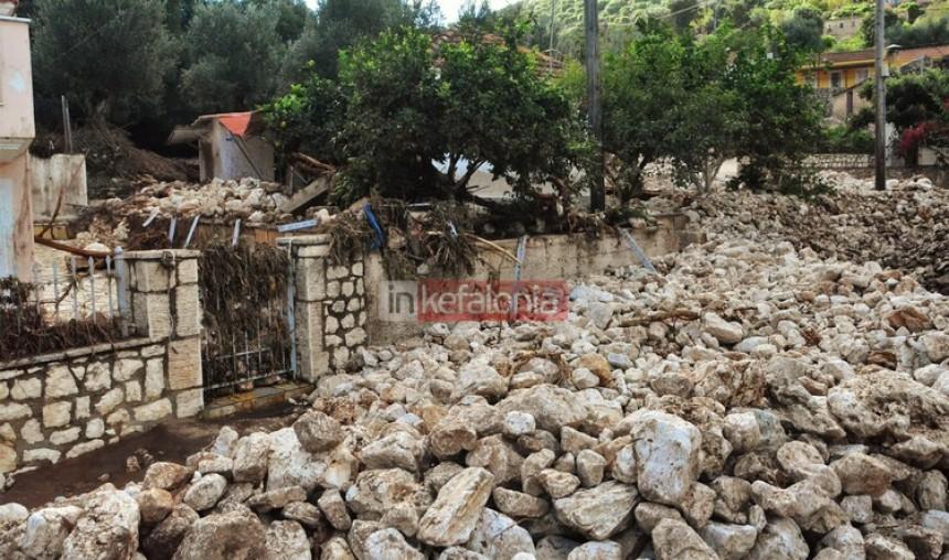 Βιβλική καταστροφή στα Δρακοπουλάτα – Μετρούν τις πληγές τους και στην Αγία Ευφημία (εικόνες + video)